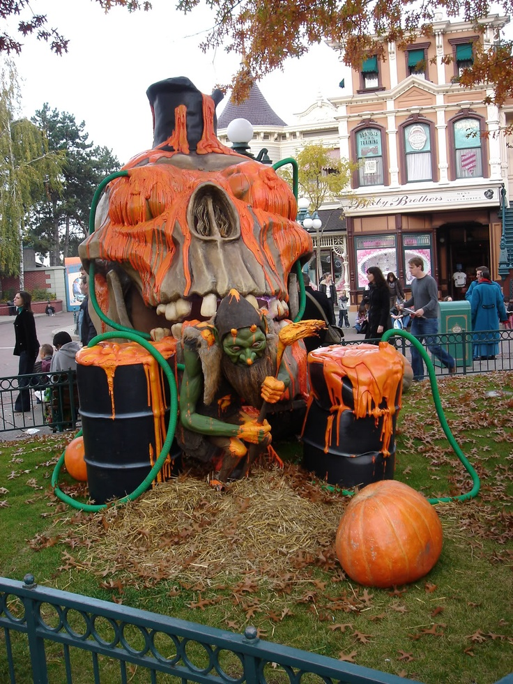 Disneyland Paris Halloween Decorations Ideas