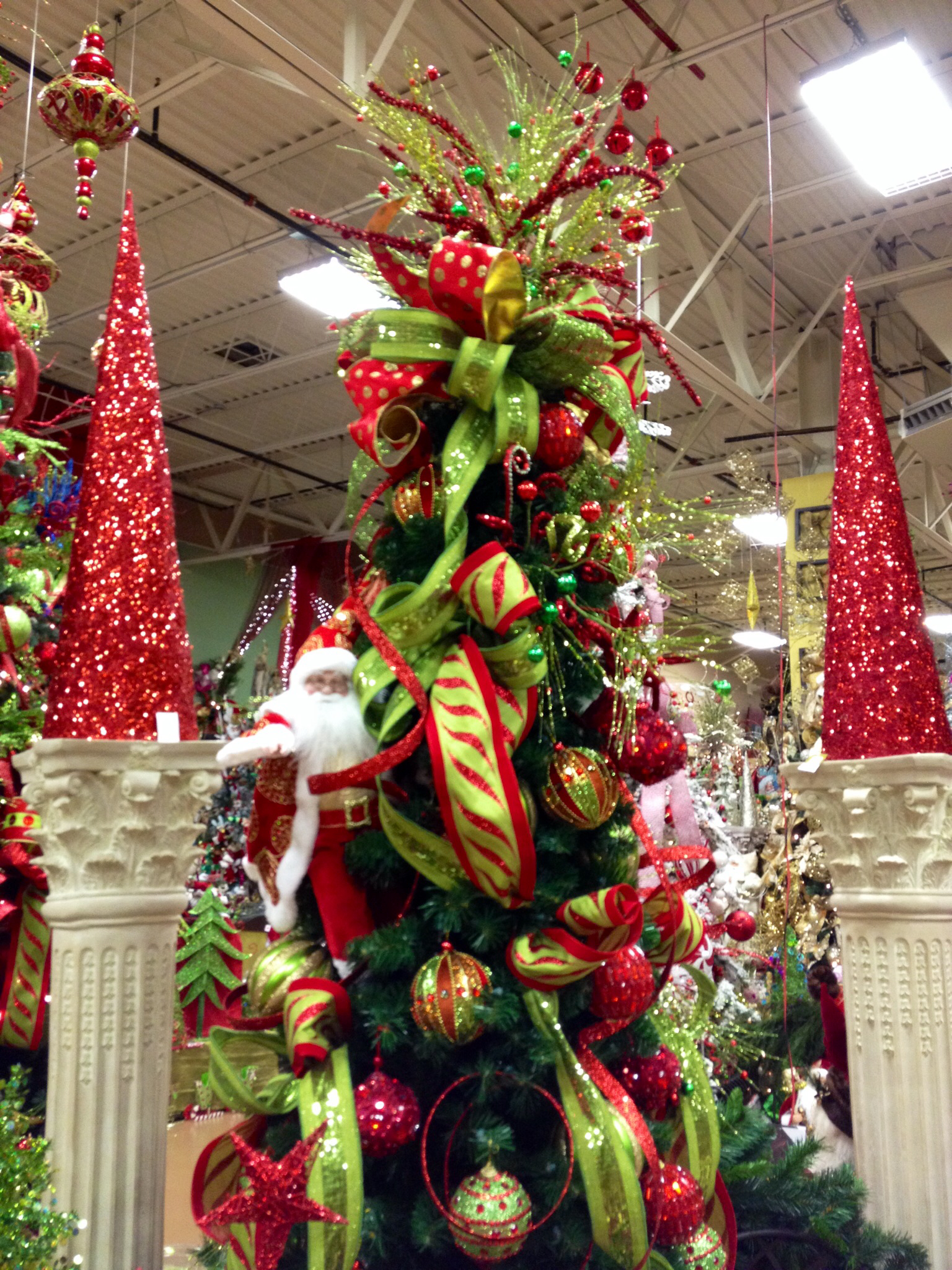 38 Creative And Beautiful Traditional Christmas Decorations Ideas Decoration Love