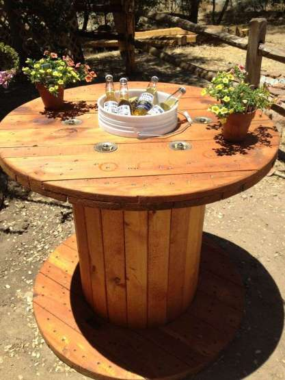 DIY OUTDOOR BAR IDEAS 12