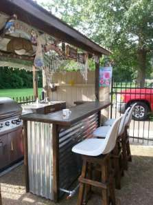 DIY OUTDOOR BAR IDEAS 31