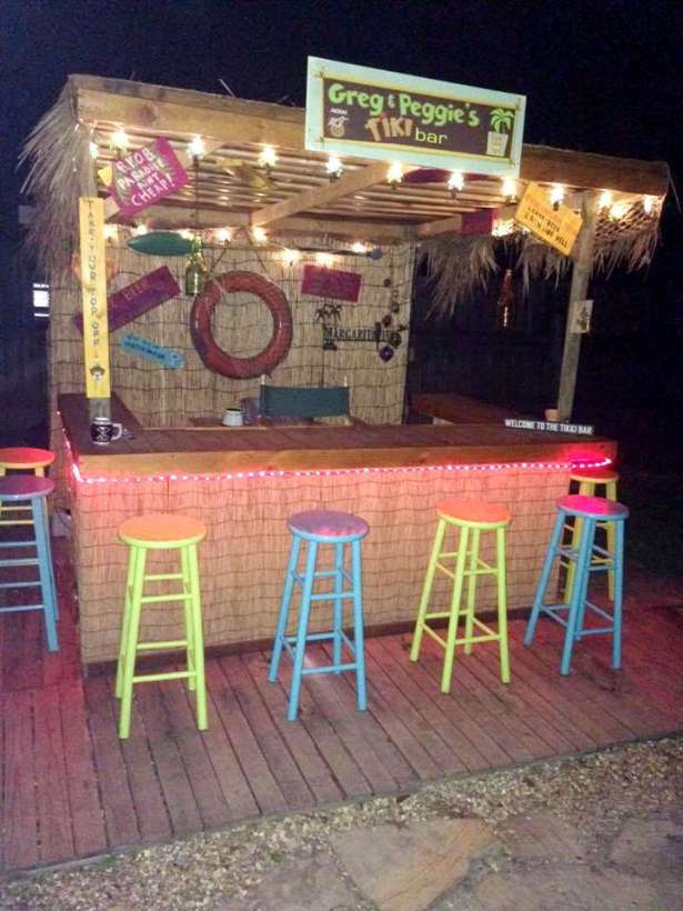 DIY OUTDOOR BAR IDEAS 58