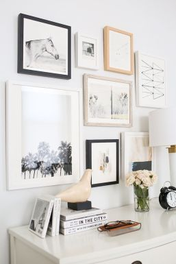 50 Stunning Photo Wall Gallery Ideas 6