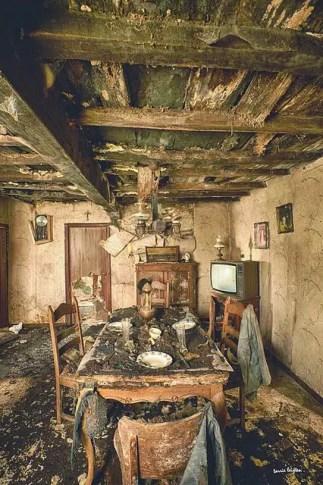 Abandoned Houses 64