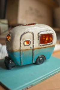 Cheap And Easy Ways To Decorate Your RV Camper 34
