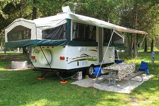 Cheap And Easy Ways To Decorate Your RV Camper 40