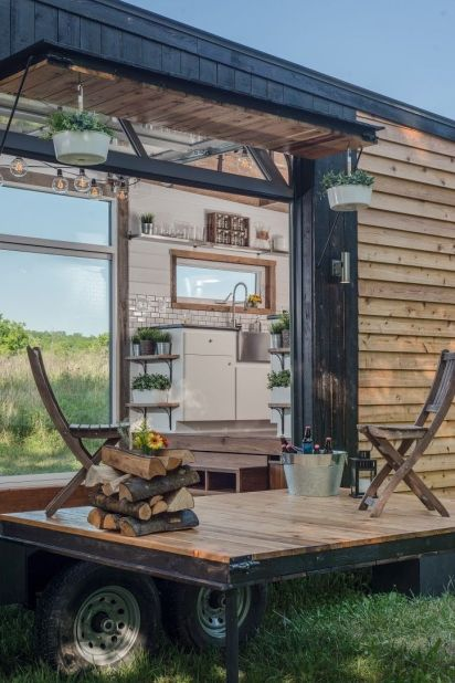 Cheap And Easy Ways To Decorate Your RV Camper 51