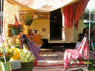 Cheap And Easy Ways To Decorate Your RV Camper 60