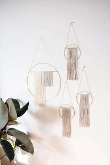 DECORATIVE WALL HANGINGS 107