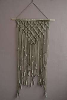 DECORATIVE WALL HANGINGS 11