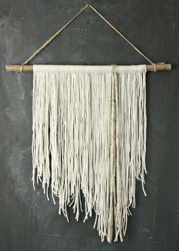 DECORATIVE WALL HANGINGS 115