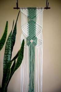 DECORATIVE WALL HANGINGS 117