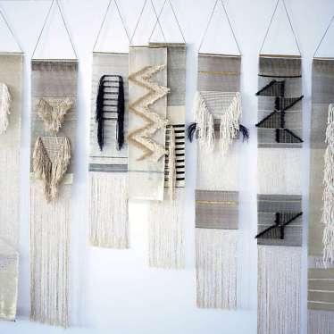 DECORATIVE WALL HANGINGS 149