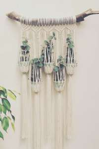 DECORATIVE WALL HANGINGS 83