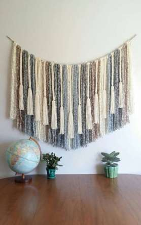 DECORATIVE WALL HANGINGS 91