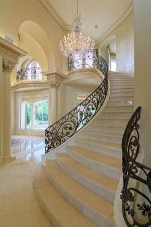 Grand Staircase 32