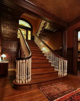 Grand Staircase 43