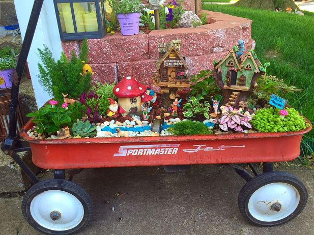 Magical And Best Plants DIY Fairy Garden Inspirations 39