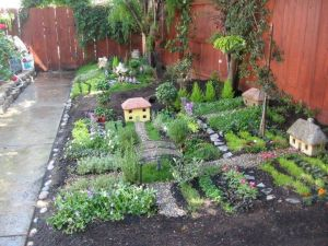 Magical And Best Plants DIY Fairy Garden Inspirations 62