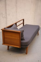 Mid Century Furniture Ideas 18