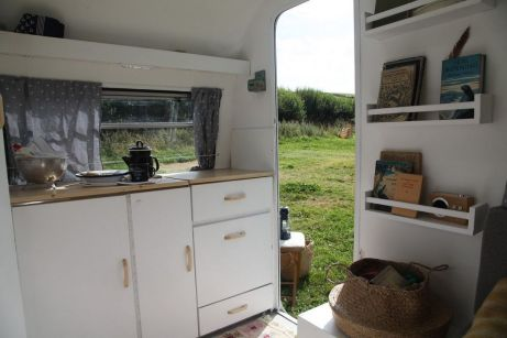 RV Hacks, Remodel And Renovation Ideas That Will Make You A Happy Camper34