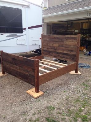 Wood Pallet Furniture 54