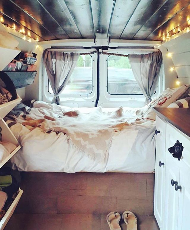Camper Van Interior Ideas 28
