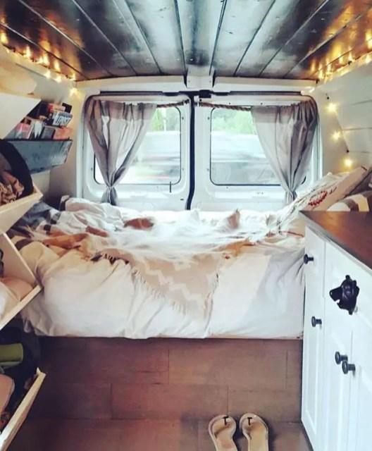 Camper Van Interior Ideas 28