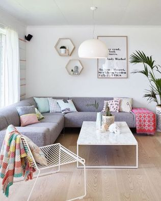 Bright Living Room Decor Ideas 106