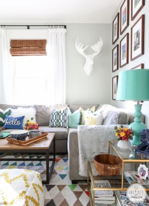 Bright Living Room Decor Ideas 45