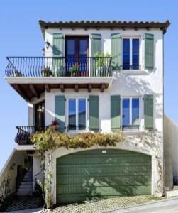 California Beach House 18