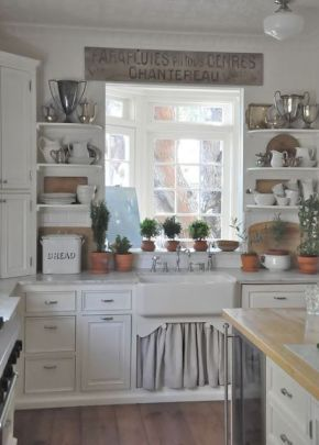 European Farmhouse Kitchen Decor Ideas 26