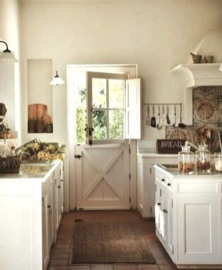 European Farmhouse Kitchen Decor Ideas 55