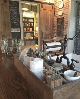 European Farmhouse Kitchen Decor Ideas 61