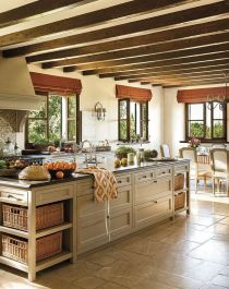 European Farmhouse Kitchen Decor Ideas 77