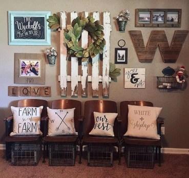 Farmhouse Gallery Wall Ideas 109