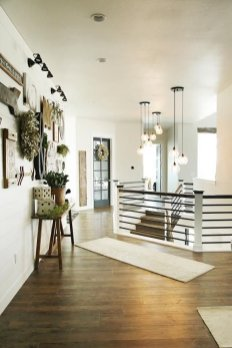 Farmhouse Gallery Wall Ideas 110