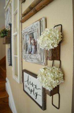 Farmhouse Gallery Wall Ideas 18