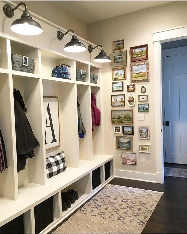Farmhouse Gallery Wall Ideas 39