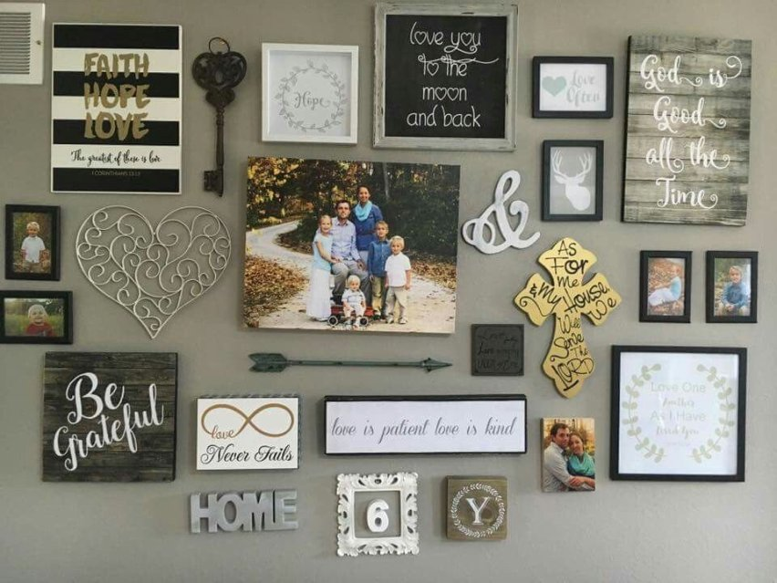 Farmhouse Gallery Wall Ideas 44