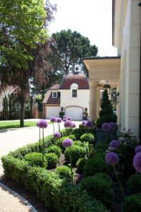Flower Beds In Front Of House 118