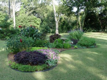 Flower Beds In Front Of House 47