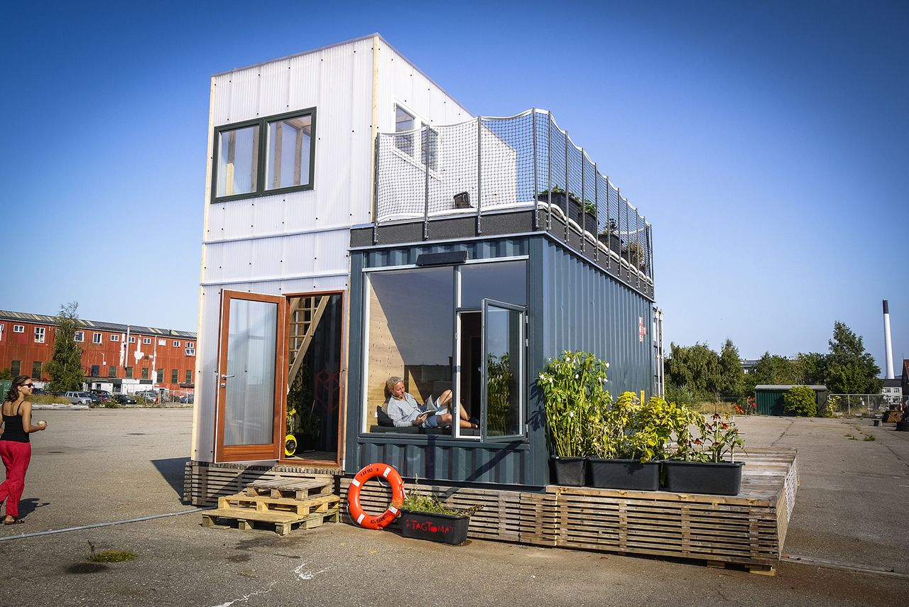 Shipping Container Homes 129