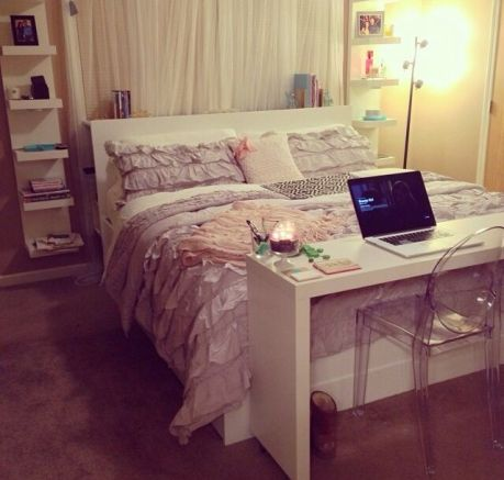 Small Apartment Bedroom Decor 13