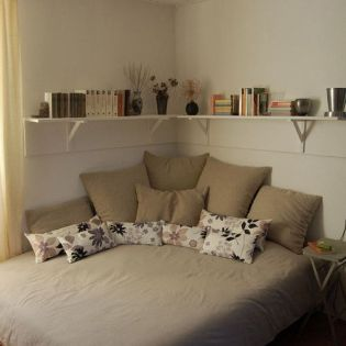 Small Apartment Bedroom Decor 39