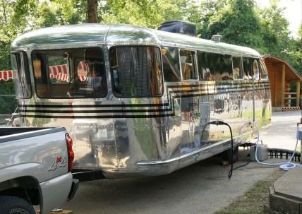 Vintage CampersTravel Trailers 199