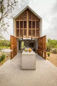 Tiny Luxury Homes 201