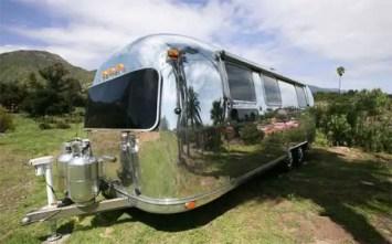 Air Streams Dream Campers 27