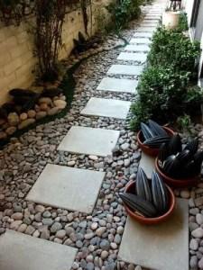 Outdoor Walkway 37
