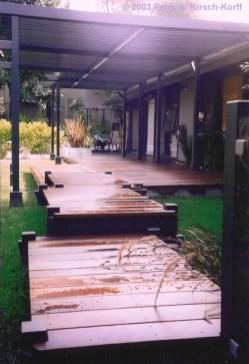 Outdoor Walkway 91