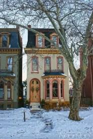 Tiny House Mansion 72